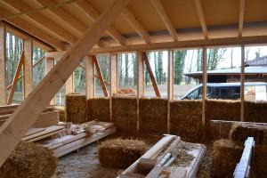 Strohballenhaus mit Holzständerbauweise